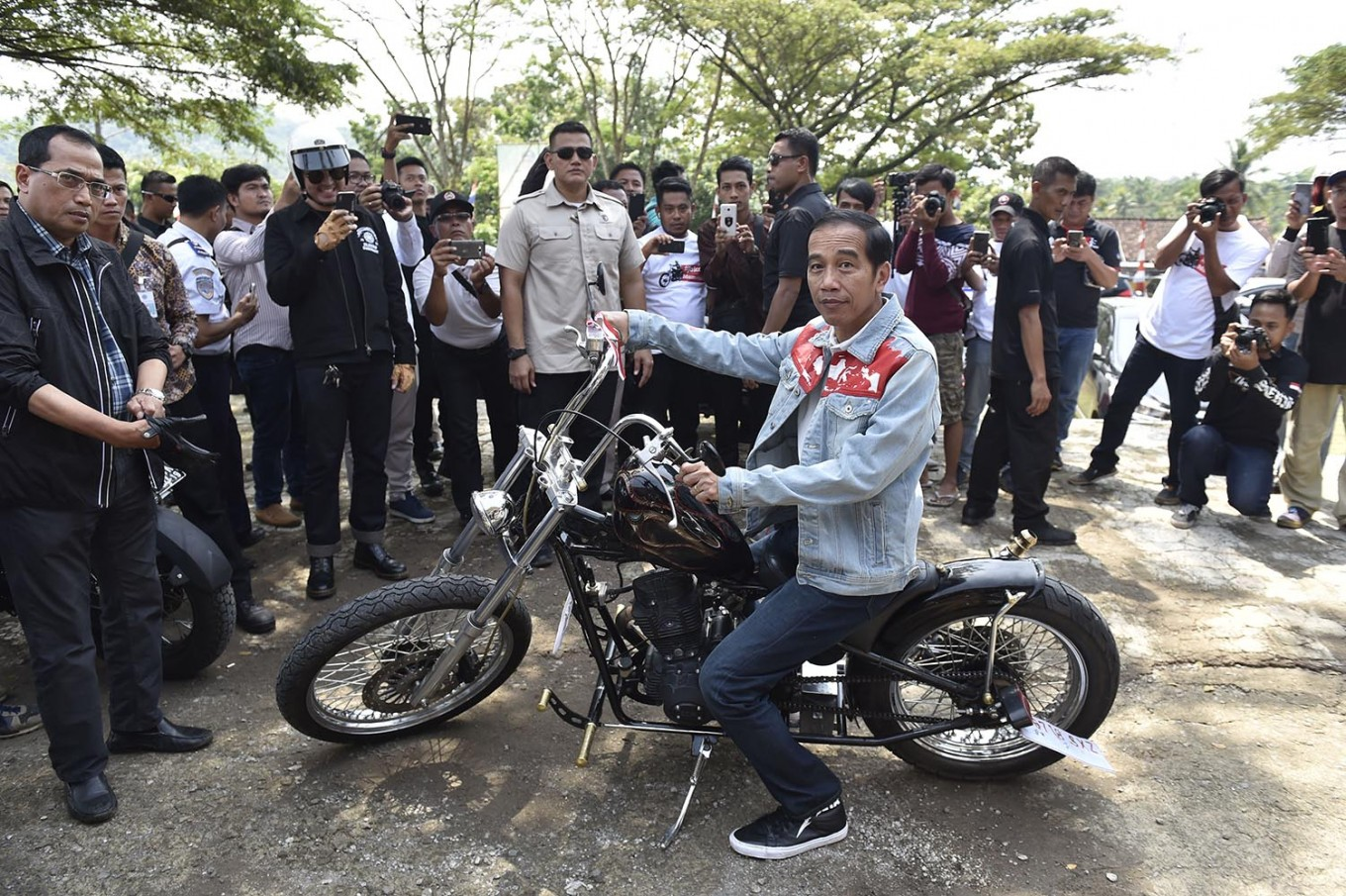Commentary: Of horses, motorcycles and rivalry between men