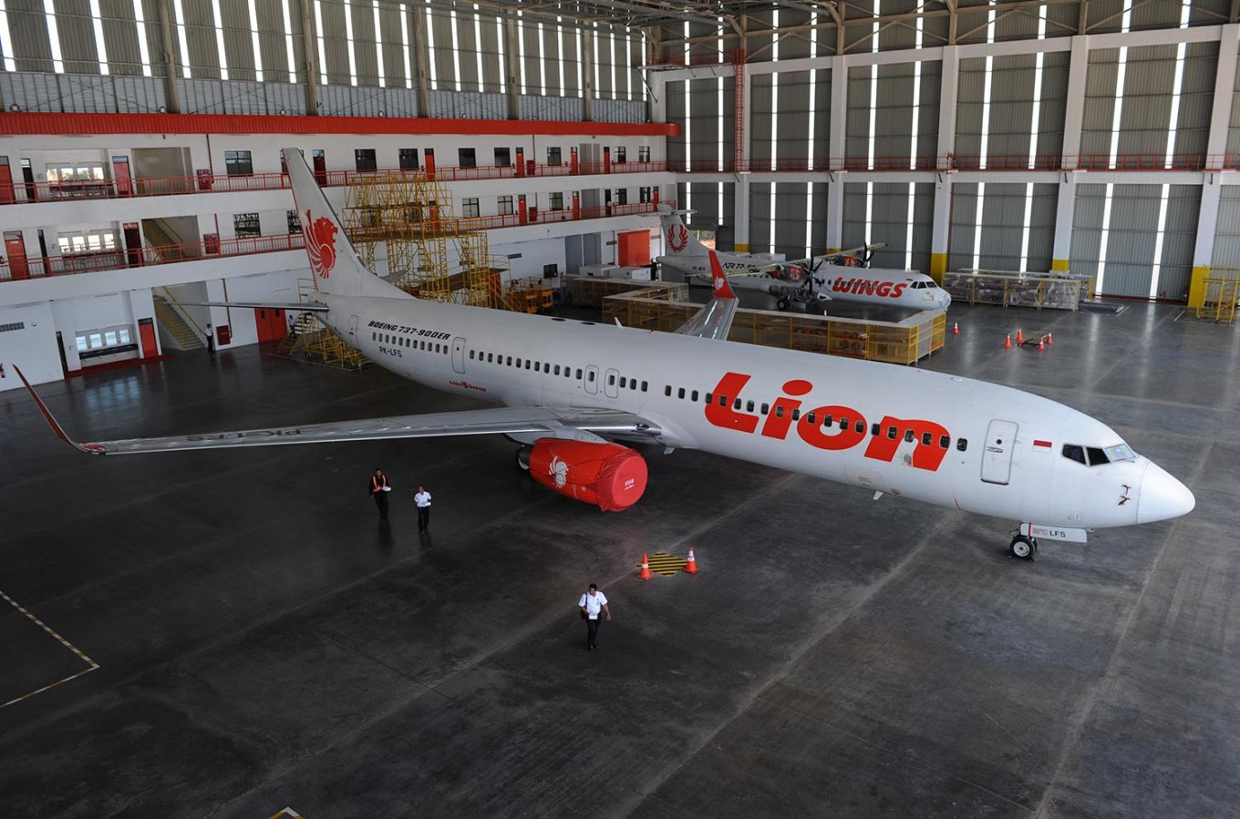 Lion Air Plane Skids off Runway at Pontianak Airport
