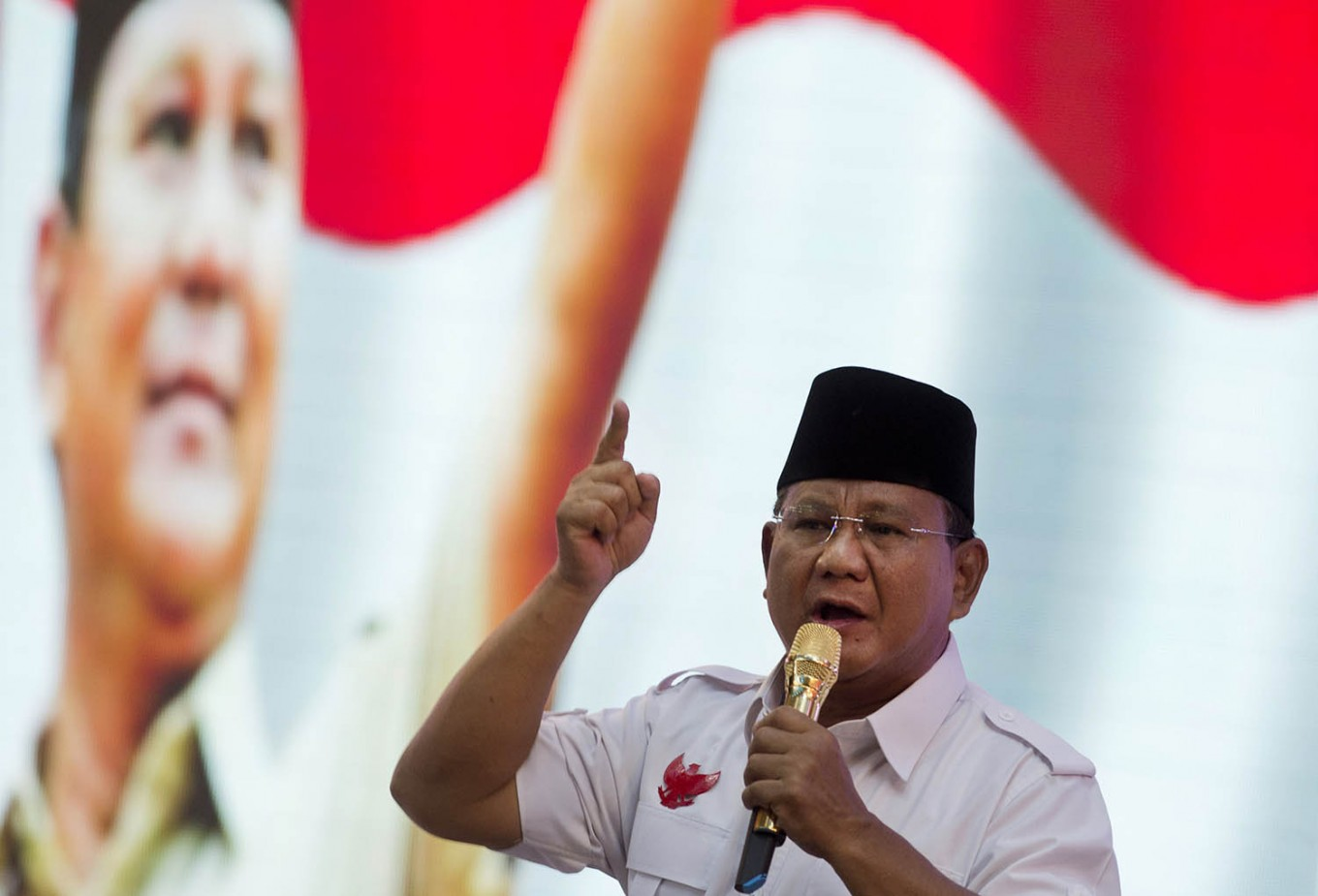 Prabowo touts Indonesia as moderate Muslim country