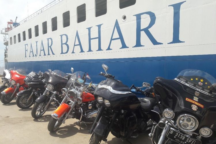 Navy foils attempted smuggling of luxury cars, big bikes