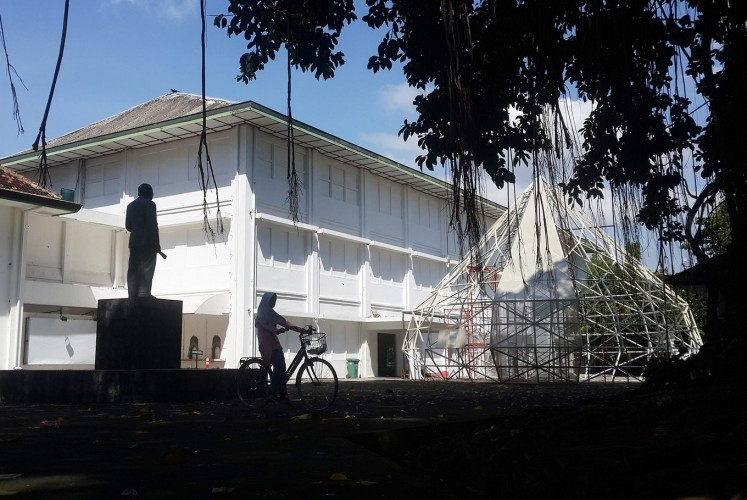 The center of attention: A giant frame in the shape of a diamond, which will be a terrarium for the work of commissioned artist Mulyana, is seen outside the Jogja National Museum in Yogyakarta.