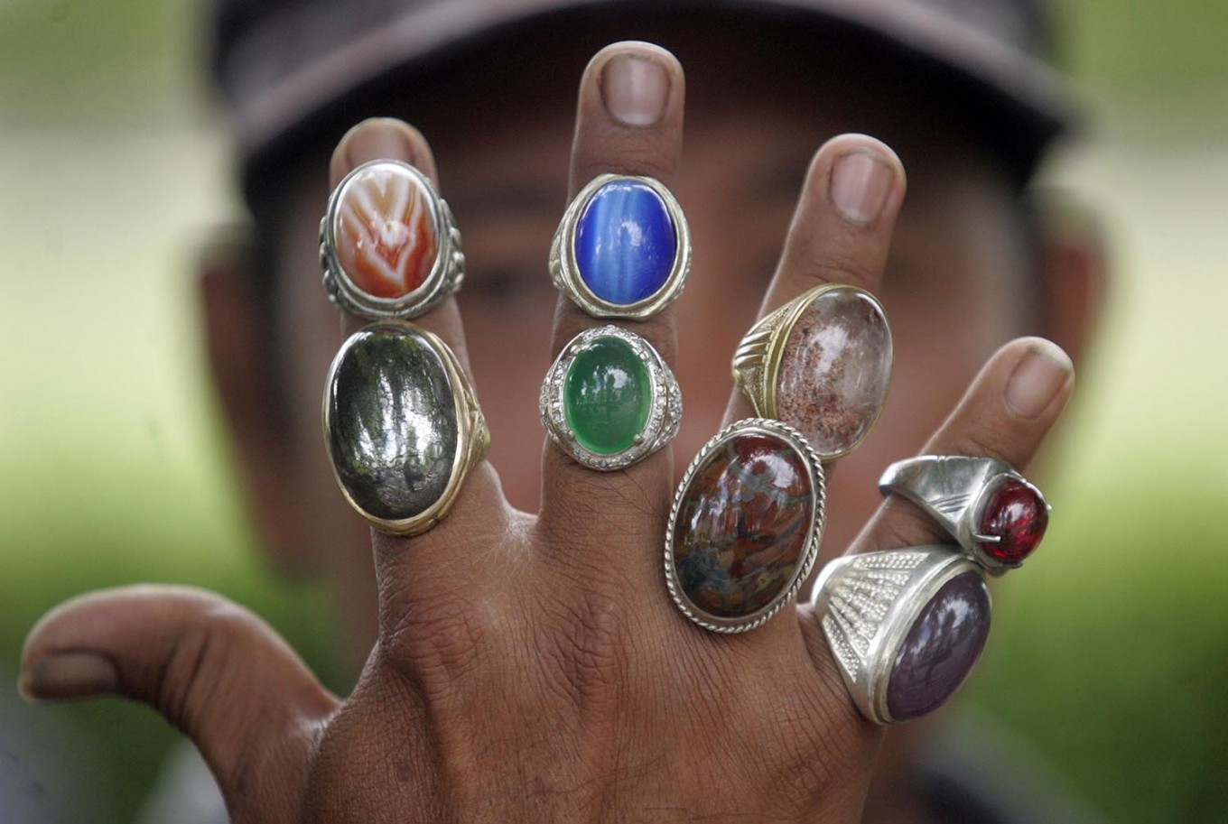 The gemstones are sold between Rp 100,000 (US$7.26) and Rp 500,000 each. JP/Boy T. Harjanto