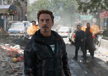 Mighty reviews see cliffhanger 'Infinity War' poised for huge opening