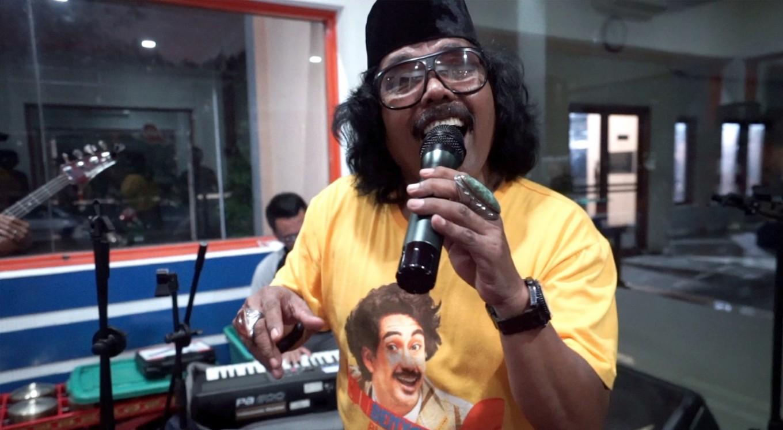 Singing Jakarta songs