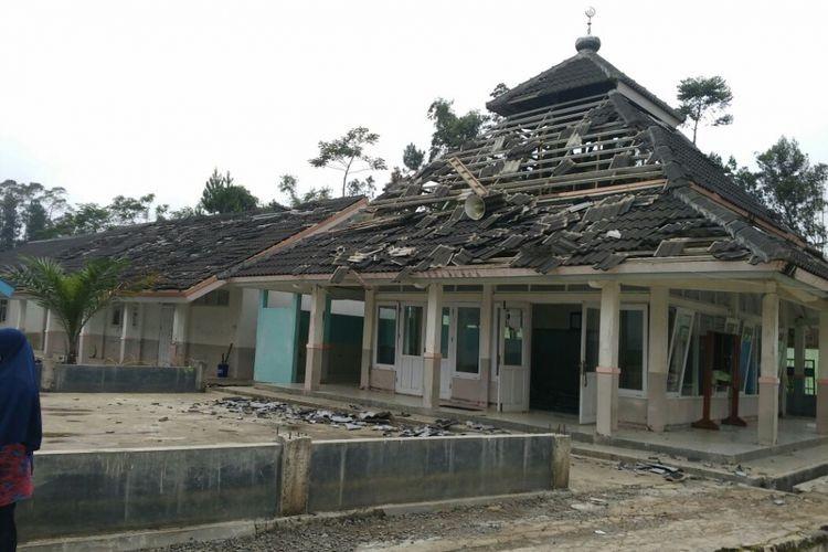 Earthquake hits Banjarnegara, kills one, destroys buildings