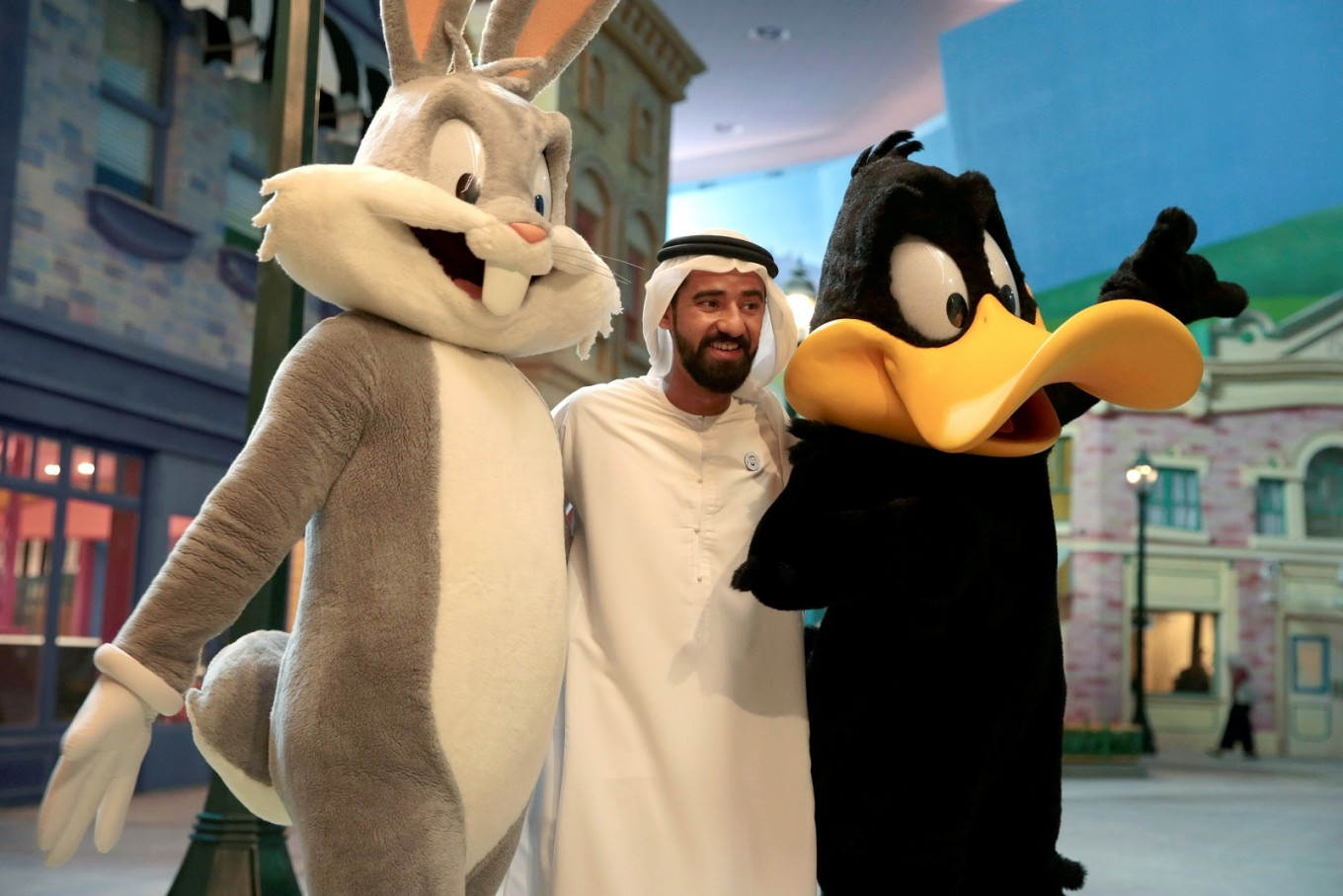 Warner Bros unveils $1b indoor theme park in UAE