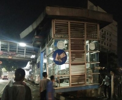 Simprug Transjakarta bus shelter hit by truck