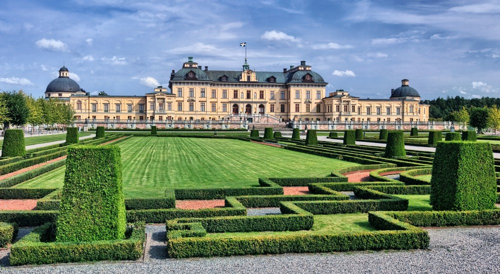 Sweden's King embraces solar with panels on his Stockholm Palace