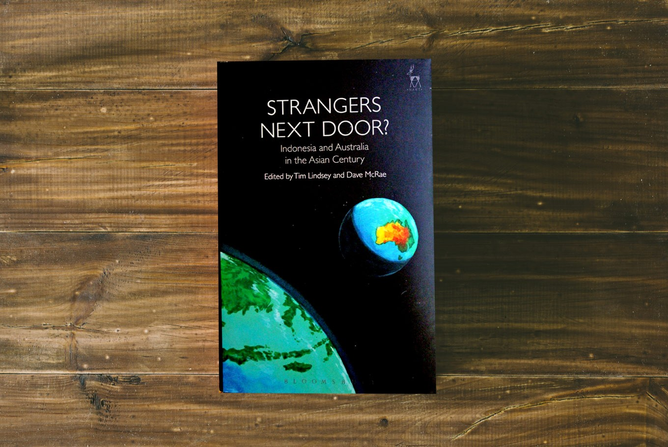 Strangers next door?': Can these neighbors ever hit it off? - Books