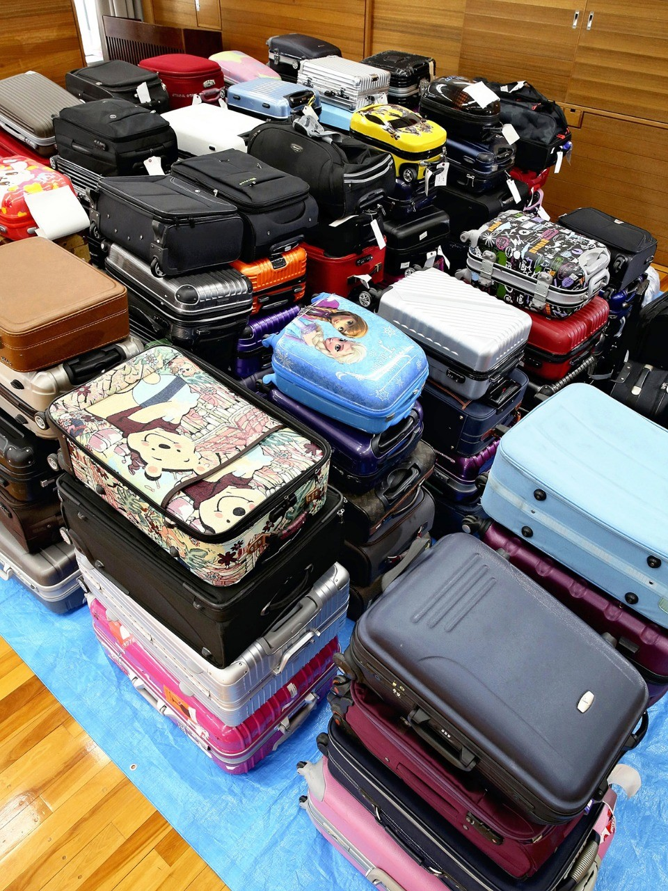 Japan airports wrestle with how to handle abandoned suitcases