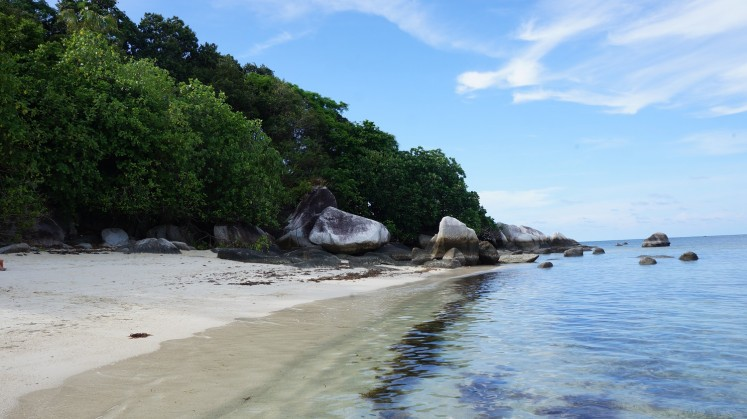 In addition to the white sandy beaches, crystal clear seas and giant boulders famed in the region, Kelayang Island also offers hidden caves for the intrepid explorer.