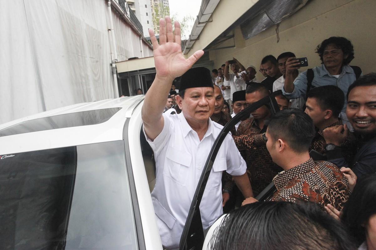 Prabowo accuses Jokowi govt of weakening TNI