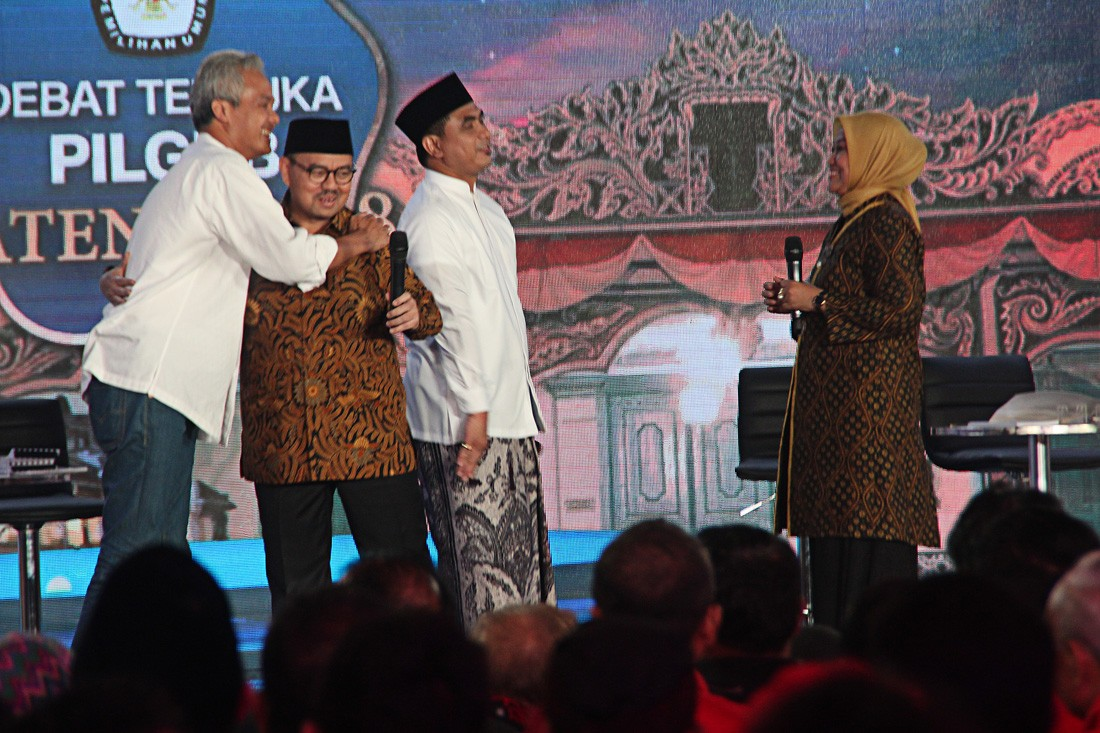 Central Java gubernatorial candidates prepare to face off on live TV