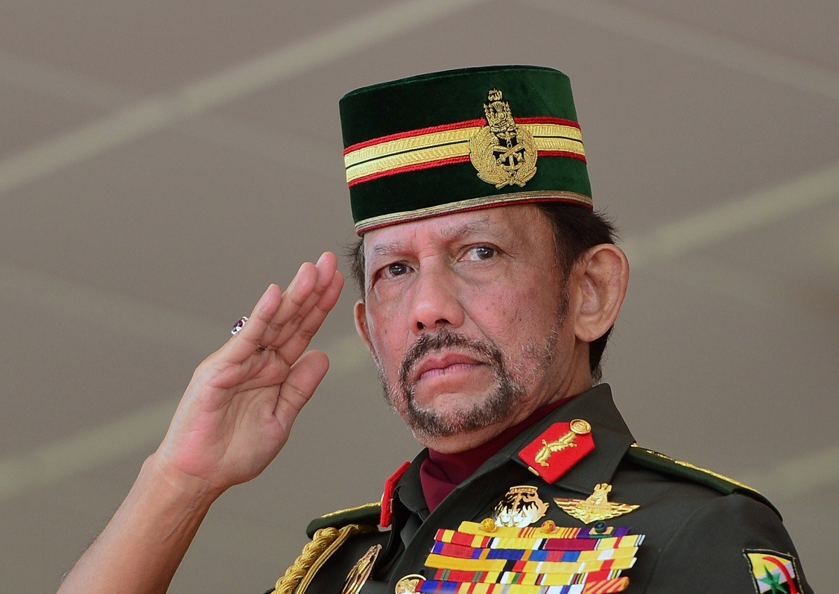 Brunei to impose death by stoning for gay sex and adultery
