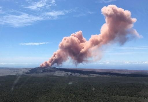 Explosive eruption rocks Hawaii's Kilauea volcano -USGS