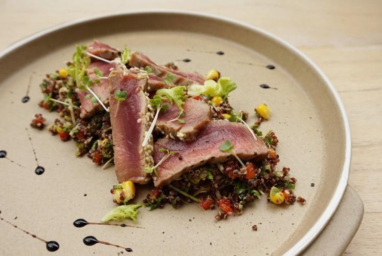 Sesame-seared tuna with quinoa salad by Mister Sunday.