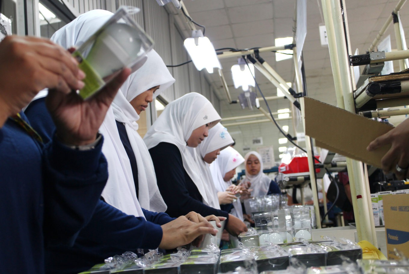 Indonesia plans more flexible working hours for women