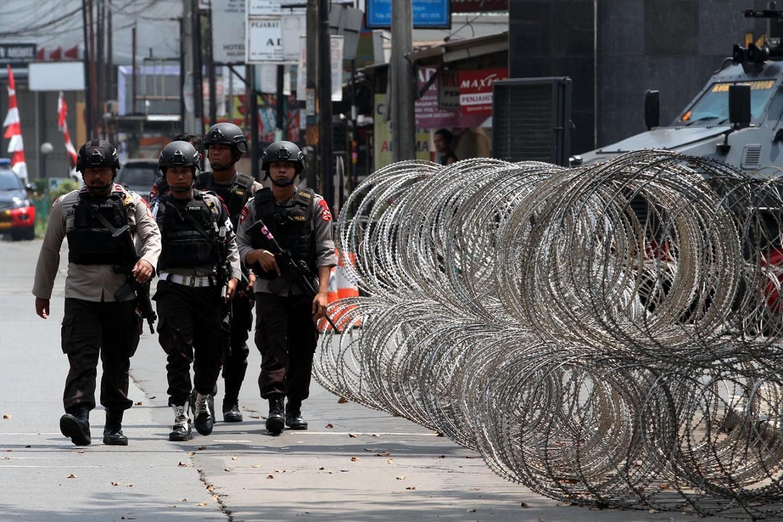 BREAKING: Five officers dead, one held hostage in Mako Brimob standoff