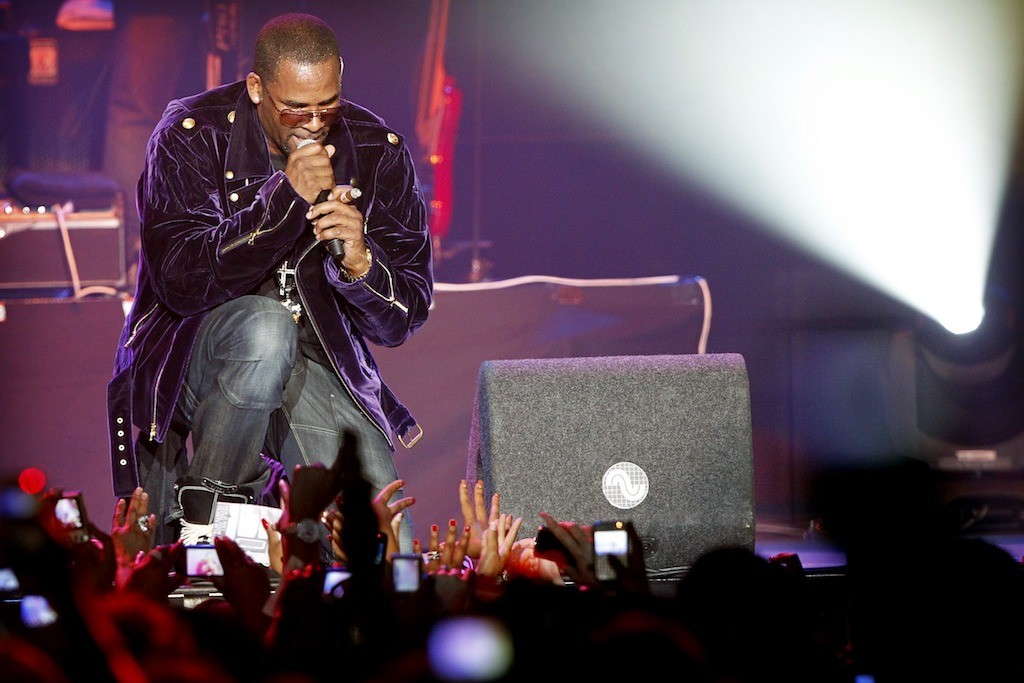 Spotify to stop promoting R  Kelly songs over sex abuse claims
