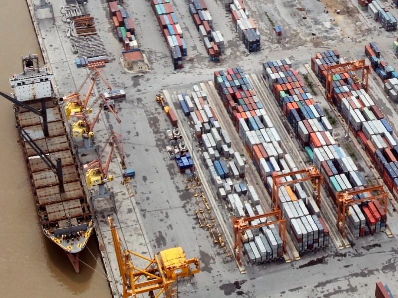 Vietnam arrests oil execs as anti-graft sweep broadens