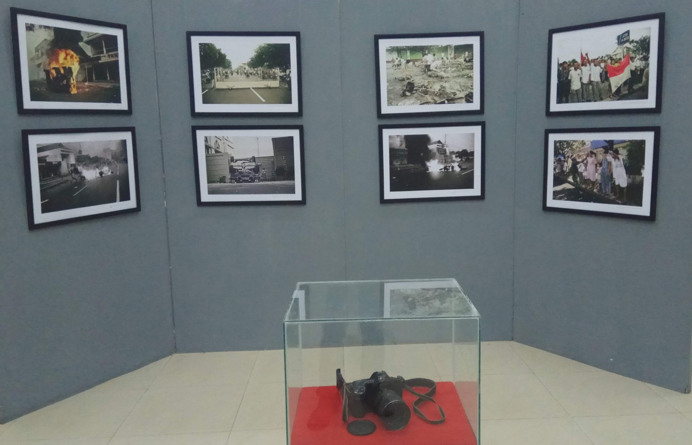 "Eighty-five photos depicting the May 1998 riots in Surakarta, Central Java, are on display in ""A Reflection of May 1998"", a photography exhibition."
