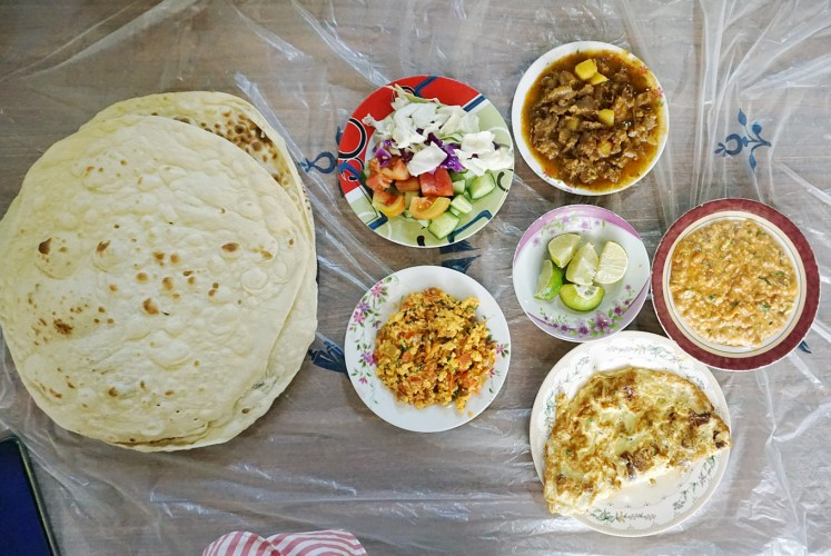 Big portion: Breakfast in the Haji Café.