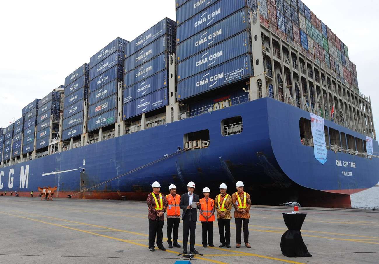 Jokowi releases first export with giant ship to US