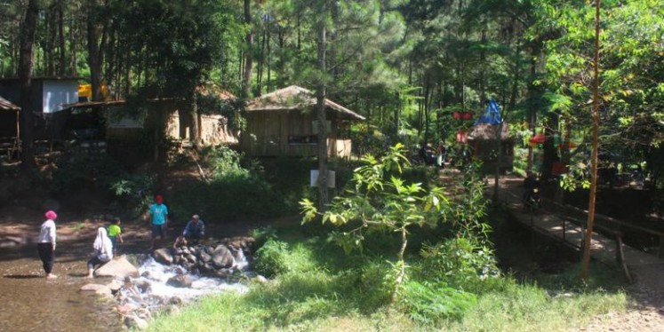 The lush surroundings of Bedengan make it a tourist attraction.