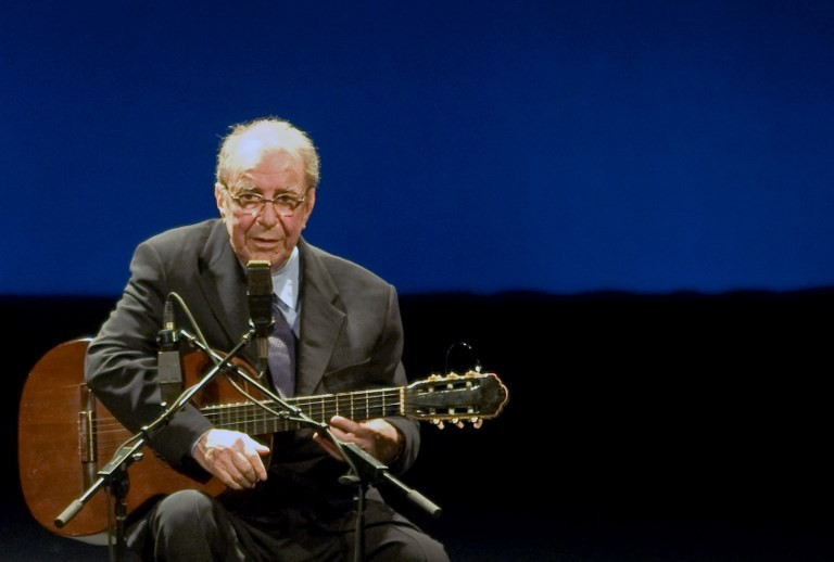 'Girl from Ipanema' singer Gilberto suffers the blues