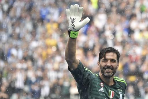 Six injured, two seriously, in Juventus title parade