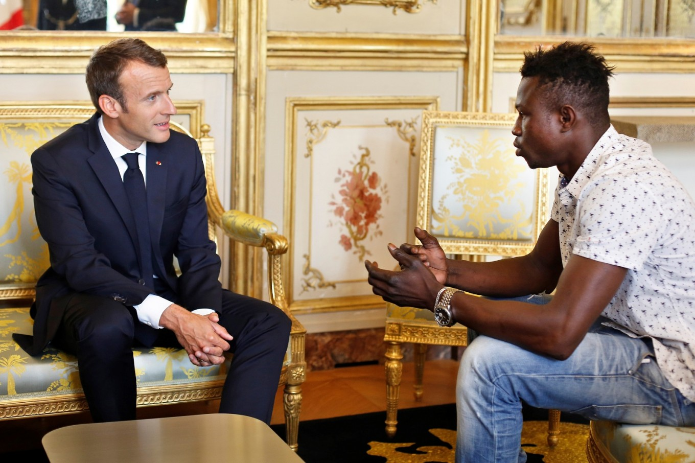 'Hero' Malian who saved child to get French citizenship