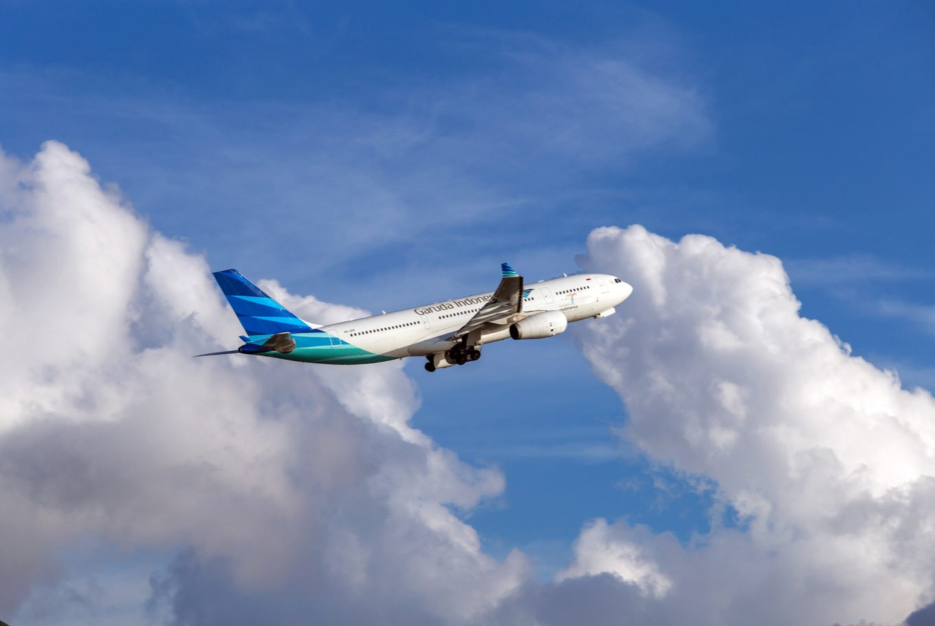 Garuda Indonesia cuts airfares by 50 percent in anniversary offer