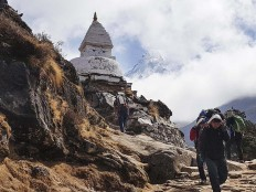 Built at a height: A stupa at a height of almost 4.000 meters above sea level (masl) near Pangboche (3.985 masl). JP/ Adeline Sunarjo