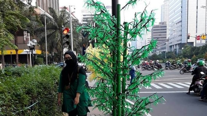 Fake trees installed without my permission, Anies says