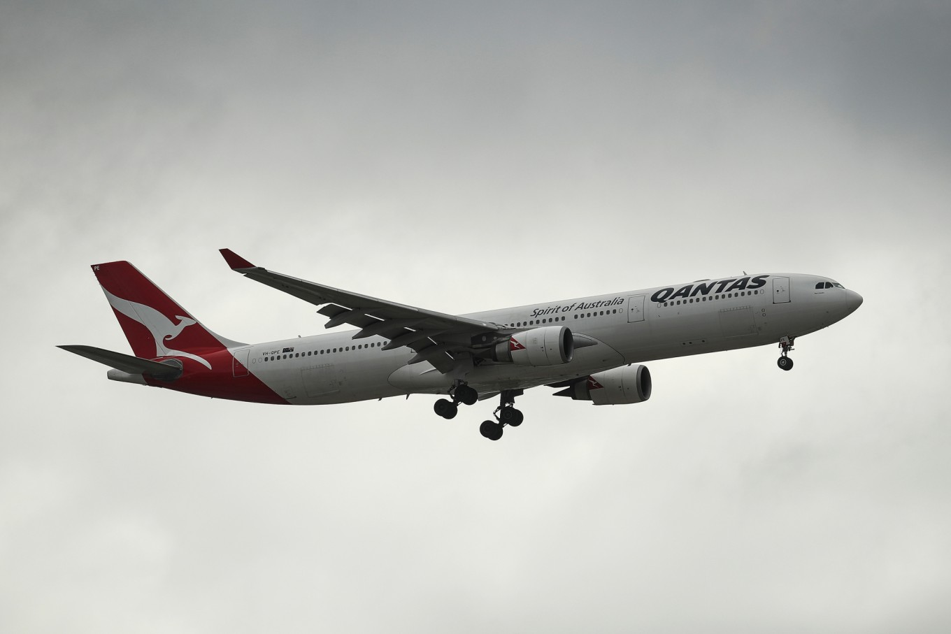 Ultimate flight nearer as Qantas refines plan for London direct