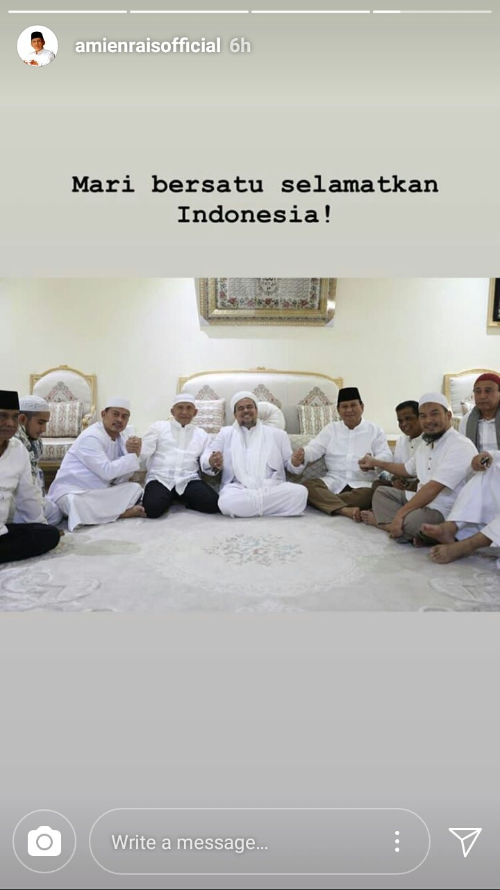 A screen grab of politician Amien Rais (fourth left) meeting with cleric Rizieq Shihab (fifth left) and Prabowo Subianto (fourth right) in Mecca on Saturday. His Instagram story is dated June 3.