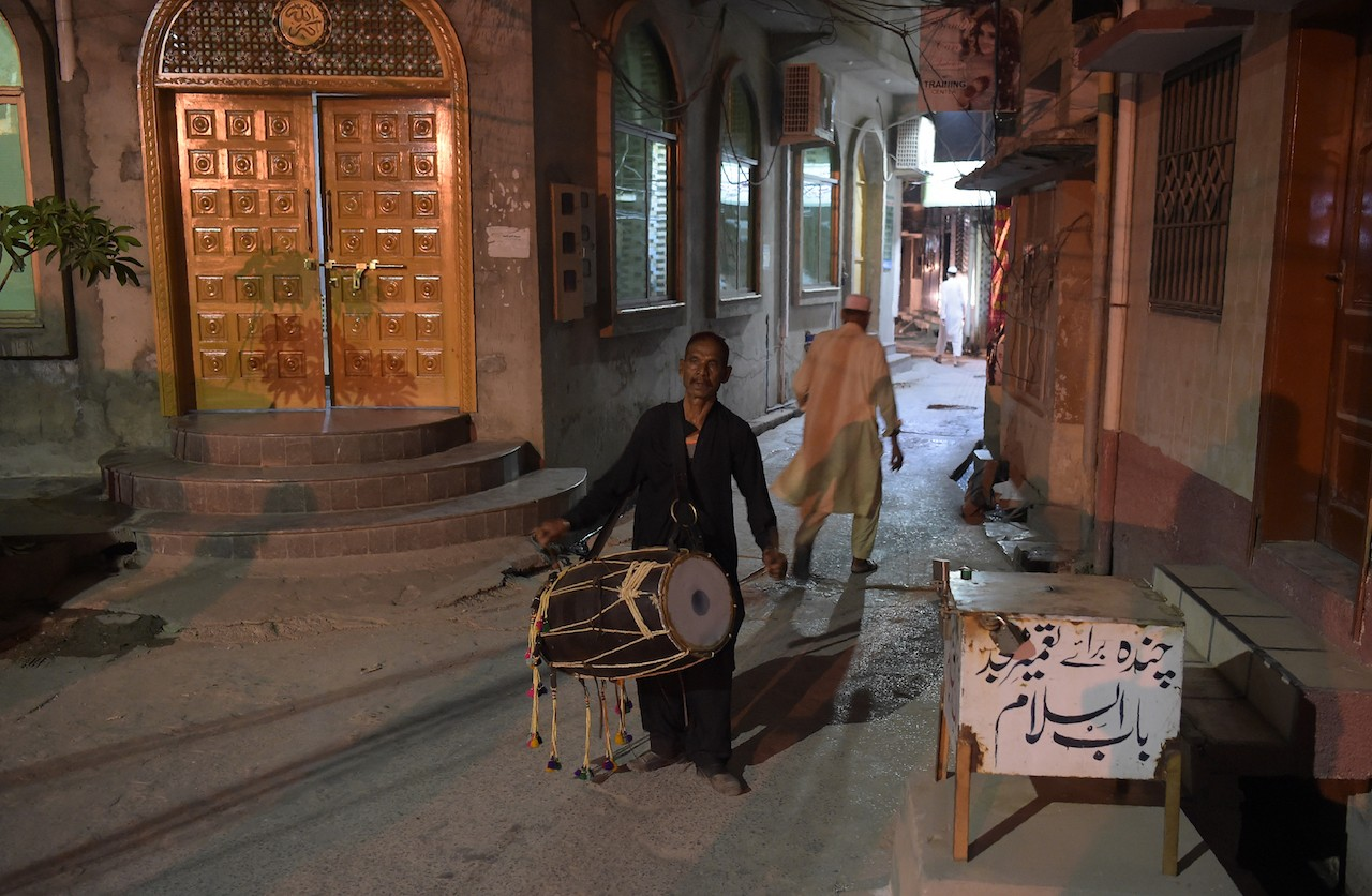 The beat is fading for Pakistan's Ramadan drummers - Art & Culture ...
