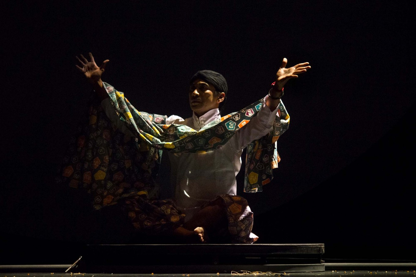 A male dancer wearing a Javanese costume takes part in the performance. JP/Tarko Sudiarno