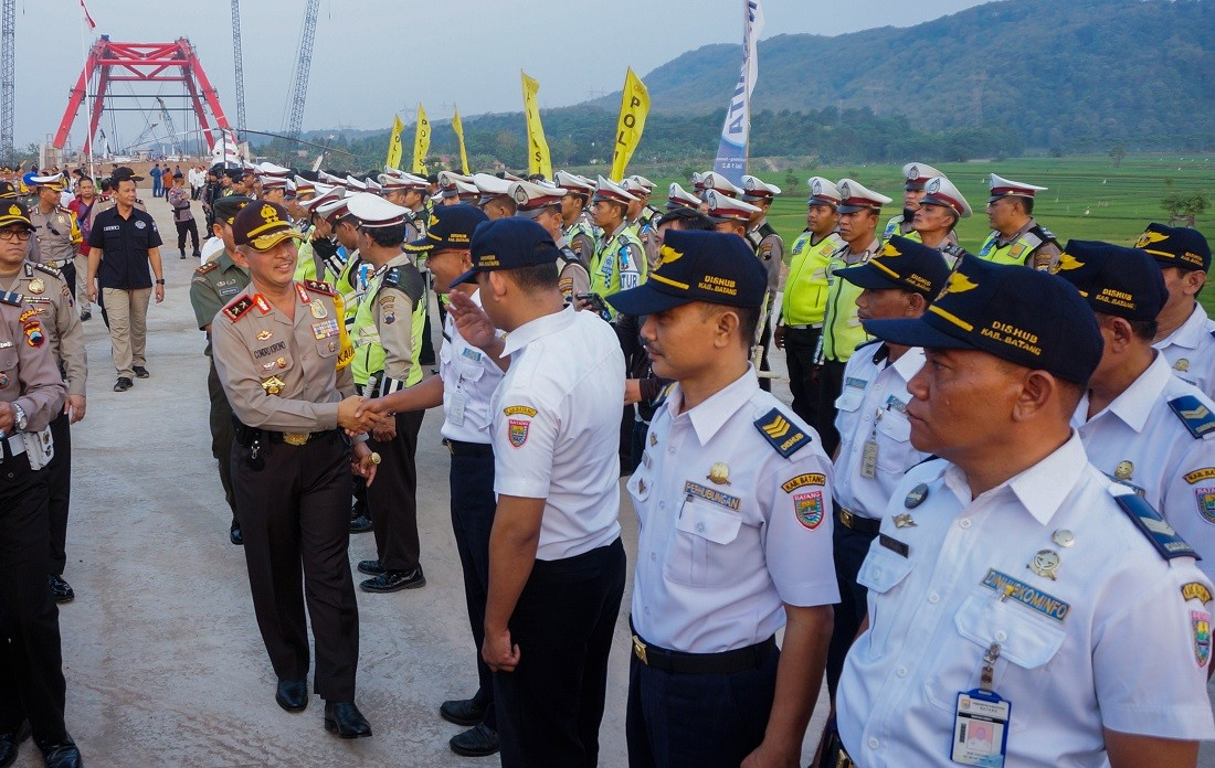 Only cars, minibuses allowed to enter functional toll roads: C. Java Police