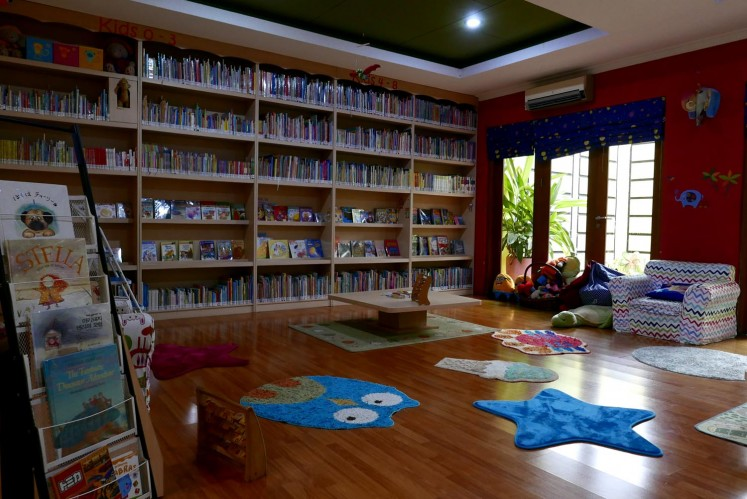 Children's books at Rimba Baca are arranged based on age.