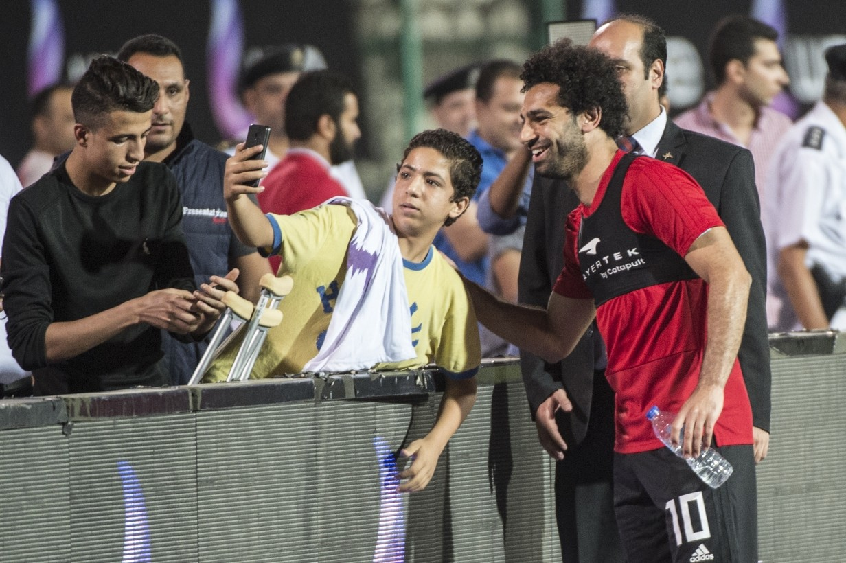 Egypt's Salah in apparent discomfort in World Cup training
