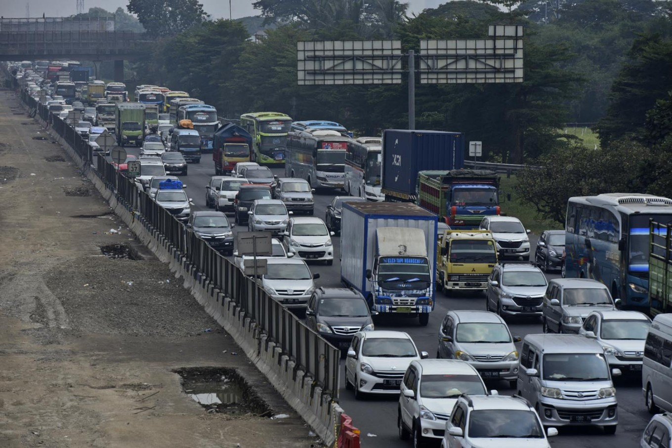 Jakarta-Cikampek elevated toll-road to open this Christmas
