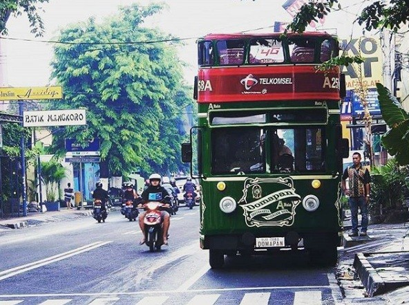 Yogyakarta's double-decker bus helps tourists explore Malioboro