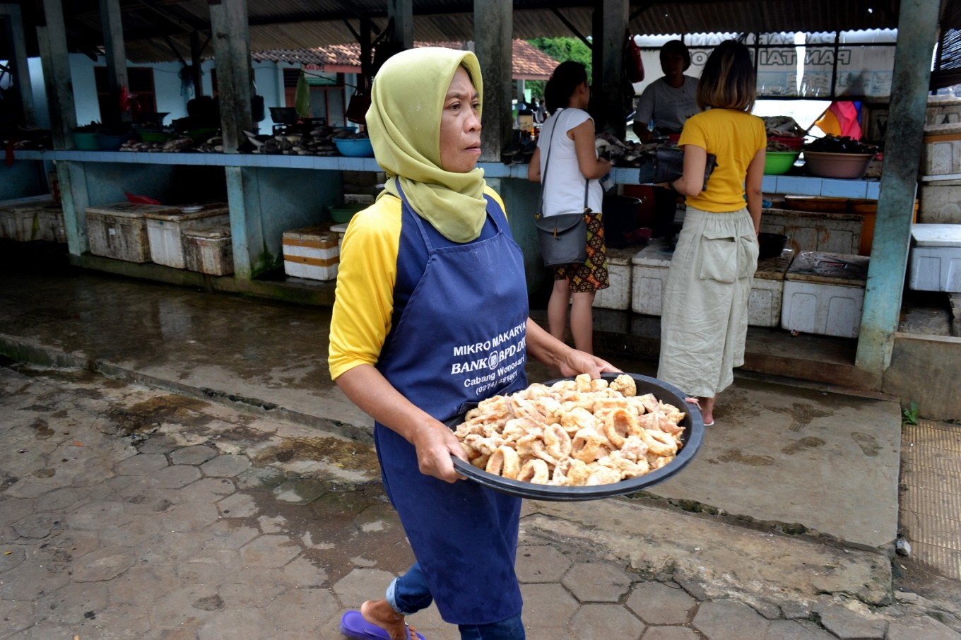 Seafood-based snacks offered at Baron Beach, Gunungkidul, Central Java