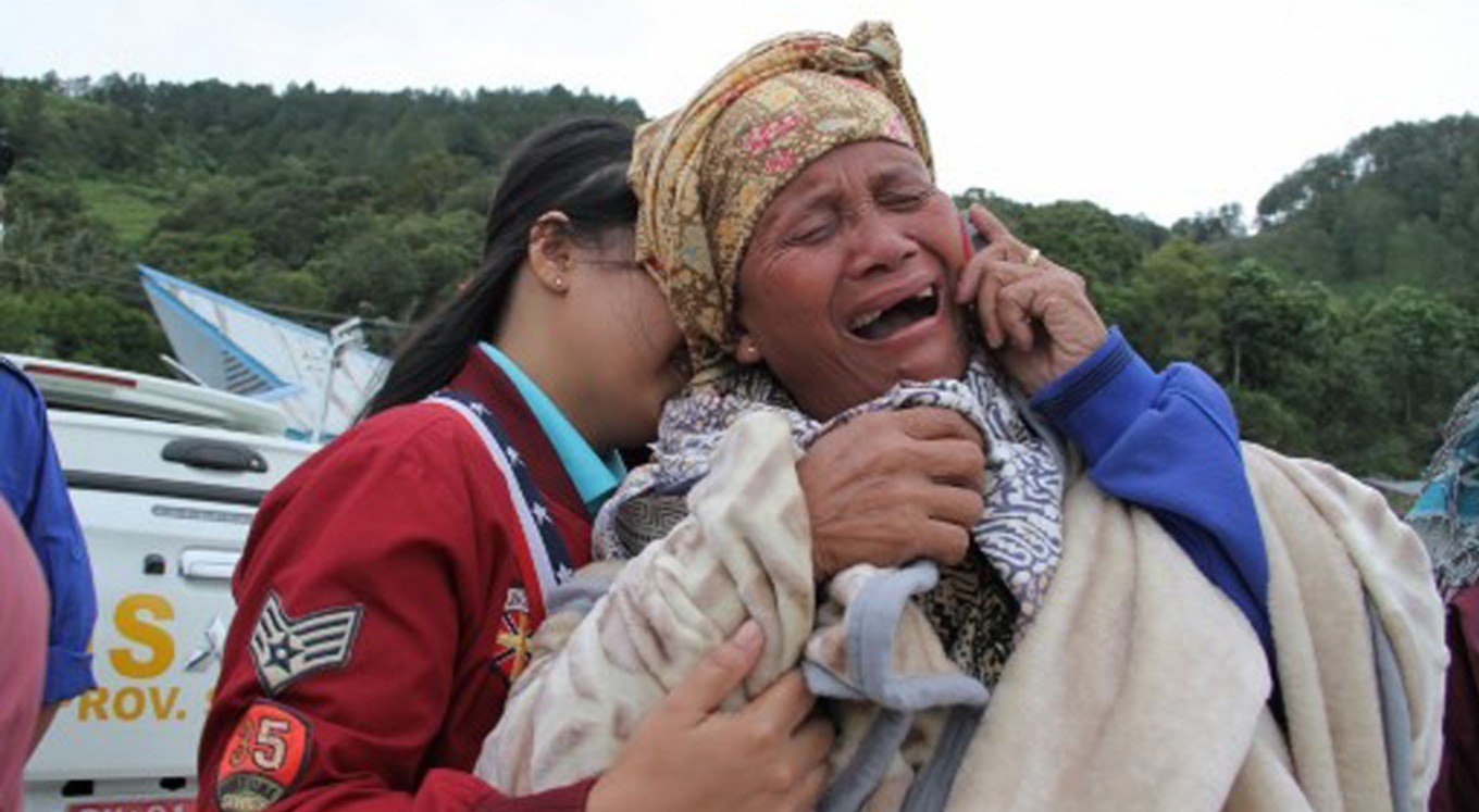 Search on for dozens missing in Indonesia ferry sinking