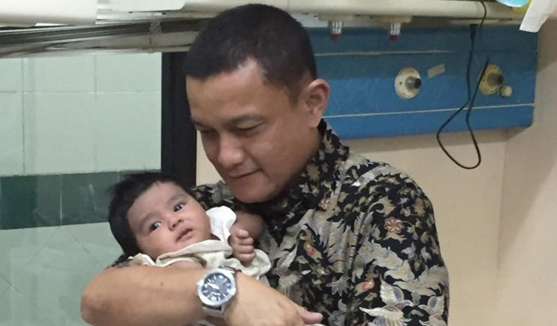 Residents find abandoned newborn in west jakarta