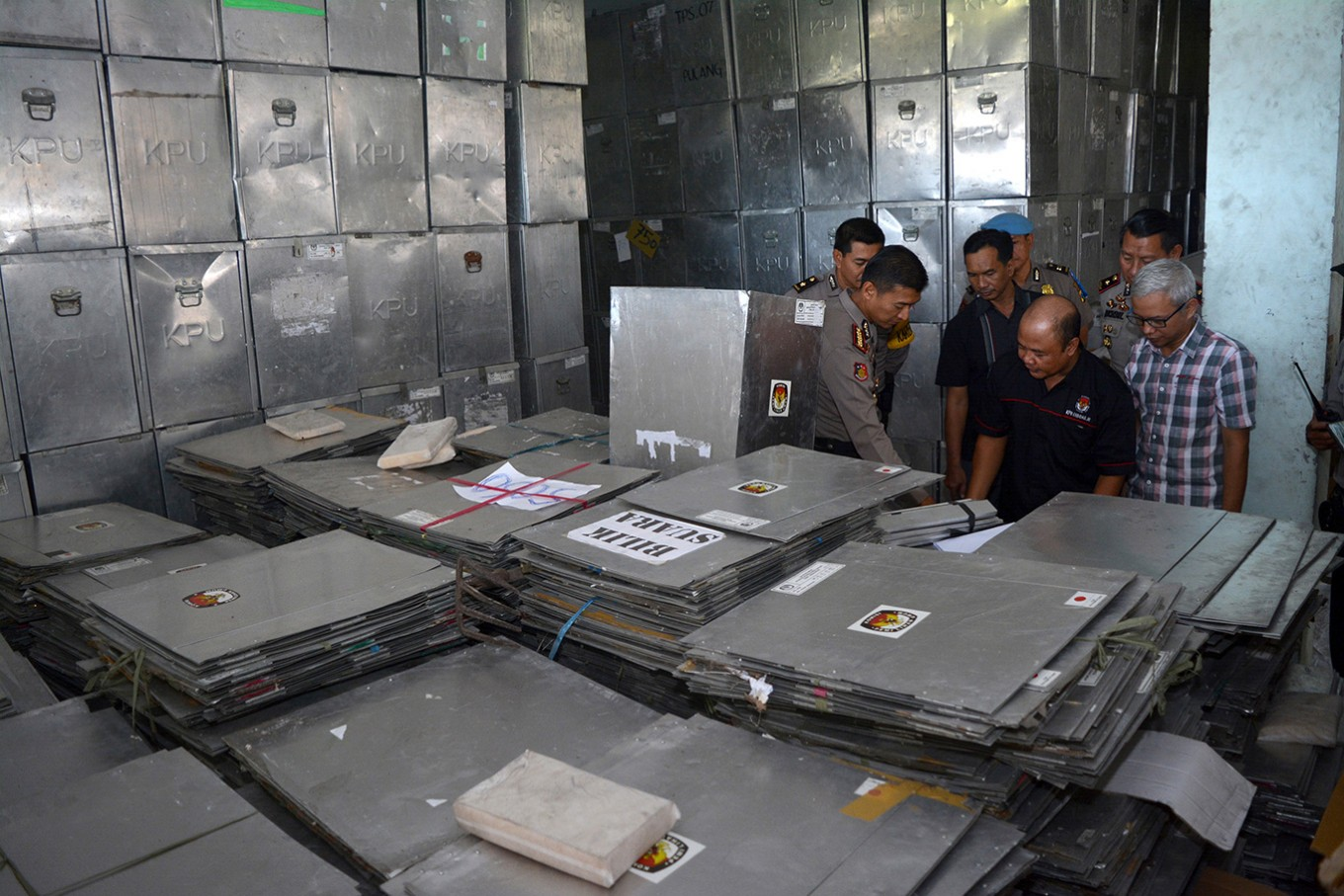 Security officers claim ghosts haunt election material warehouse