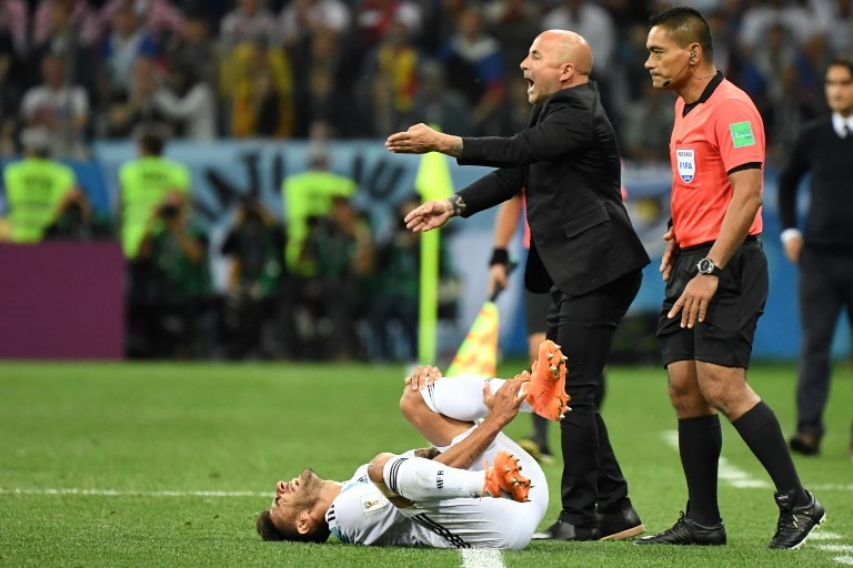 Argentina deny reports players want Sampaoli out