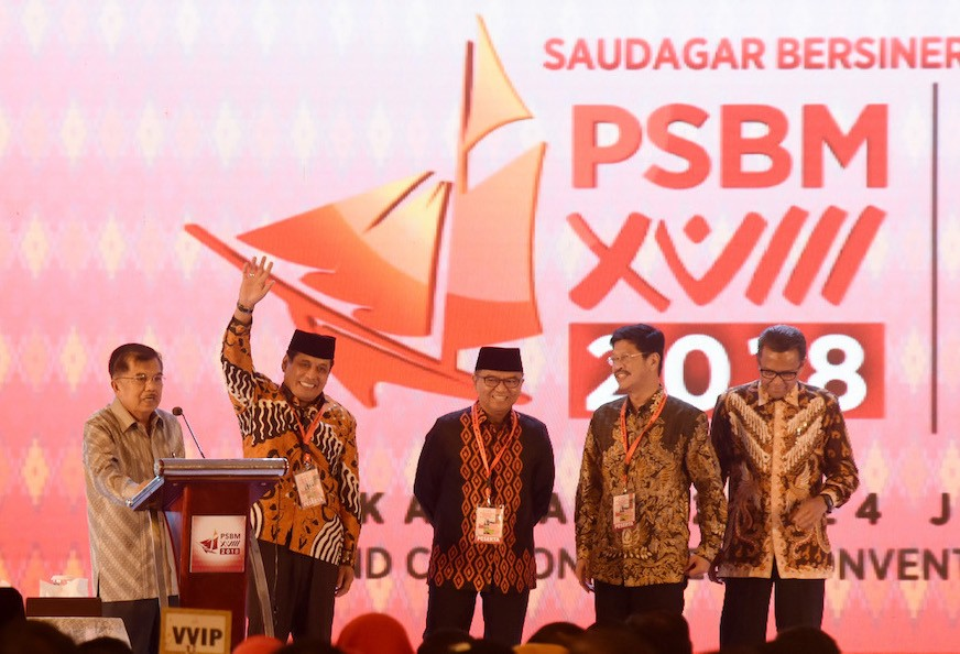 Ex-graft convict, anti-graft icon join South Sulawesi race