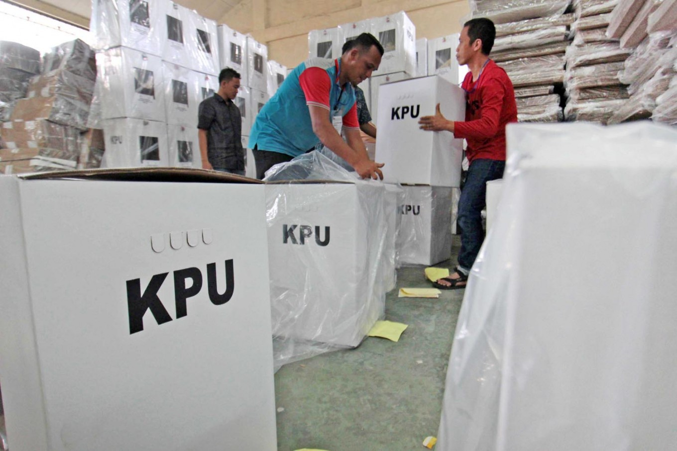 December regional polls to cost more than planned, pose health risk